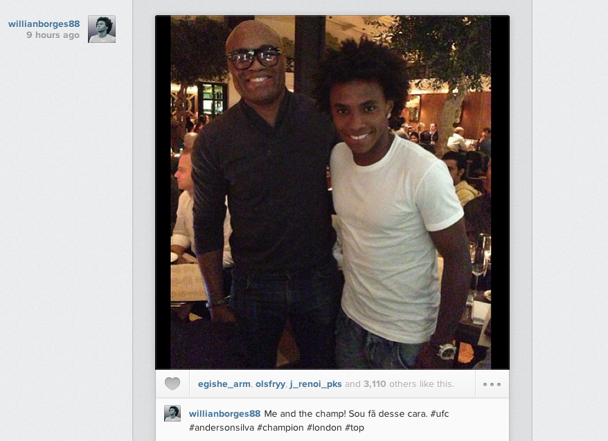 Screen+Shot+2013 09 12+at+09.26.32 Chelsea midfielder Willian posts Instagram picture with Anderson Silva