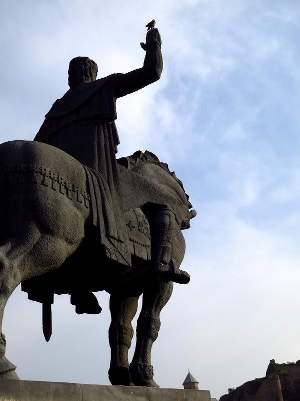 Statue of King Vakhtang Gorgasali, Tbilisi