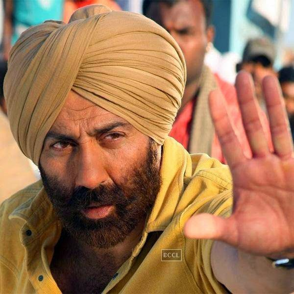 Sunny Deol has transformed into a major league action figure in Bollywood now. Click next to see Kunal Khemu's looks from the past.