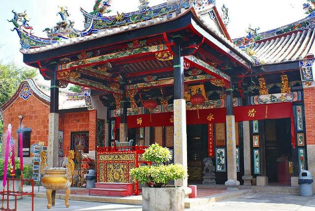 Tokong-Ular-Snake-Temple