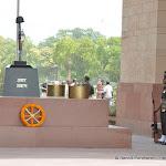 Sous India Gate se situe la tombe du soldat inconnu, Delhi