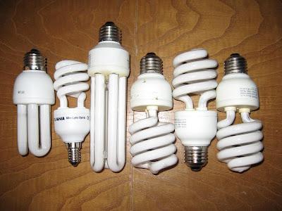 נורת פלורסנטית קומפקטית CFL