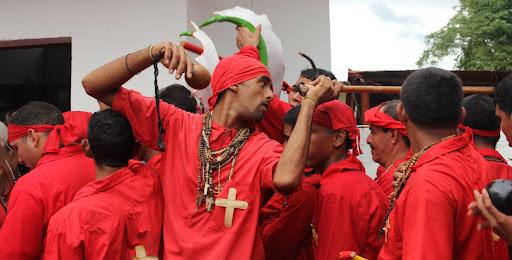Diablo de Yare poniendo orden en el día de Corpus Christi en San Francisco de Yare, Municipio Bolivar, Miranda Venezuela