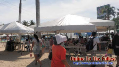 splash island free tent