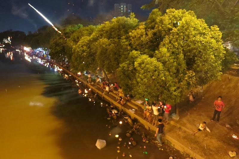 Riverside chaos