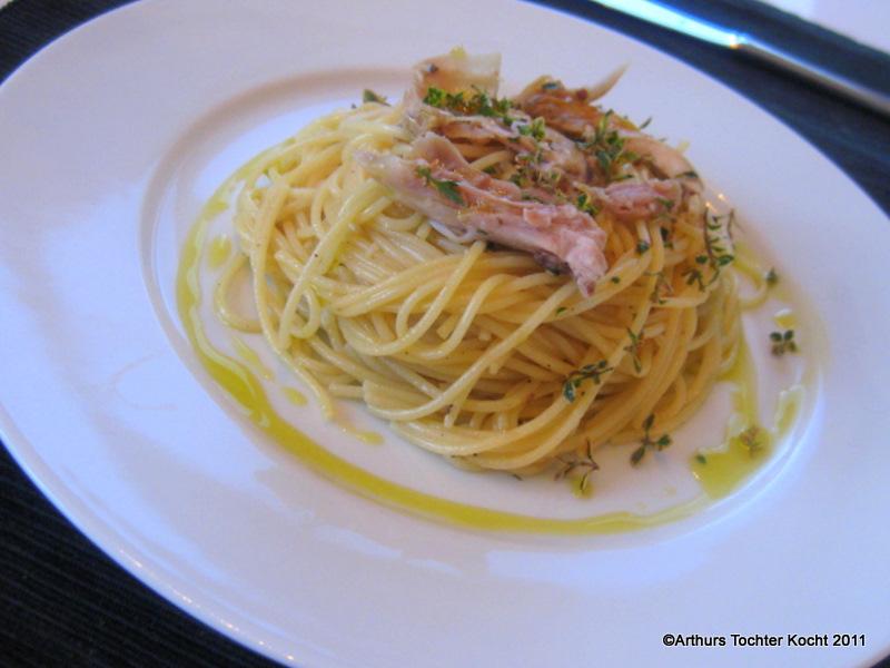 Resteverwertung mit dem berühmten Zitronenhuhn mit Spaghetti und Thymian | Arthurs Tochter Kocht by Astrid Paul