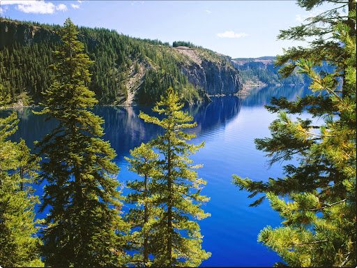 Crater Lake National Park, Cleetwood Cove Trail, Oregon.jpg