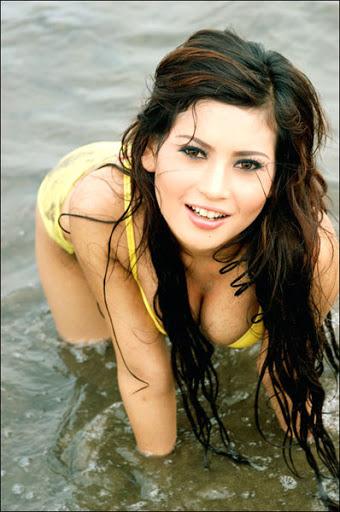... .info - Kumpulan Foto Novie Amelia Model Cantik Majalah Dewasa