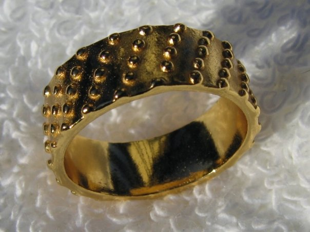 Gorjana 18k Gold Plated Ring, size 7 with gold studs