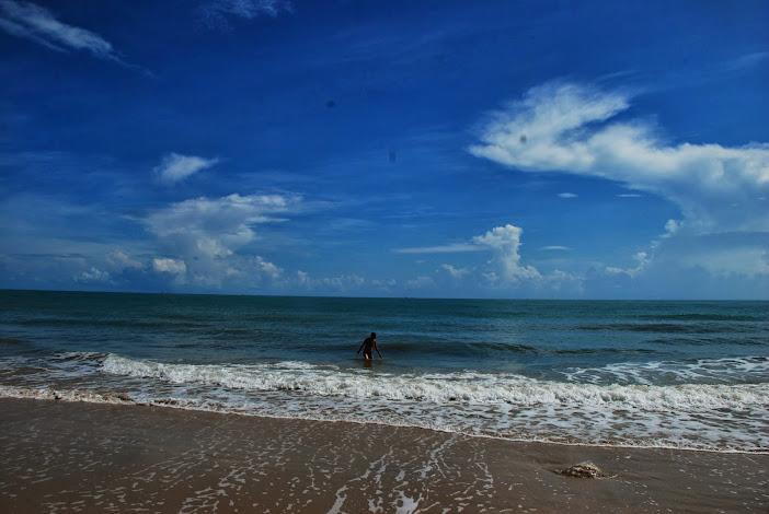 На пляже близ Tha Sala, юг Тайланда