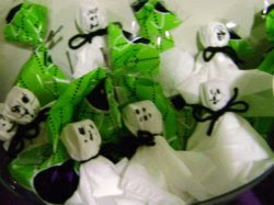 Tootsie Pop Ghosts