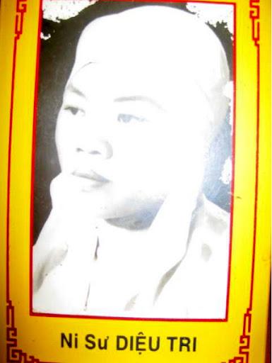 TIỂU SỬ THÁNH TỬ ĐẠO PHẬT GIÁO VIỆT NAM NI CÔ THÍCH NỮ DIỆU TRI Nguyên Huynh Trưởng Gia Đình Phật Tử Việt Nam 1939 – 1966