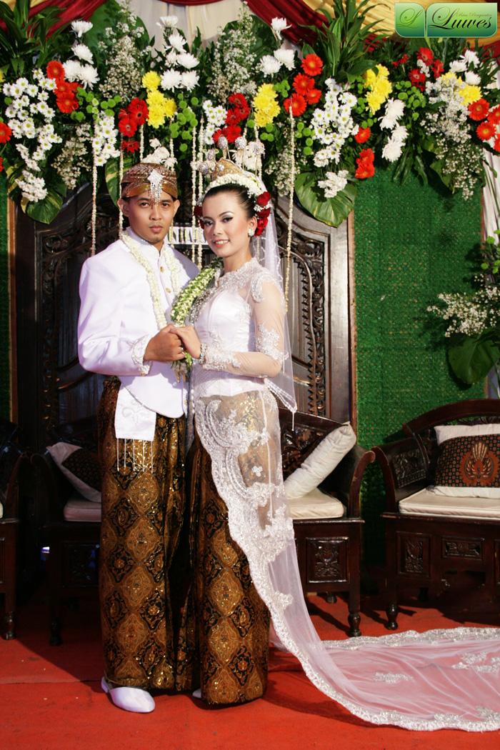 Makeup pengantin dengan kabaya akad nikah nasional