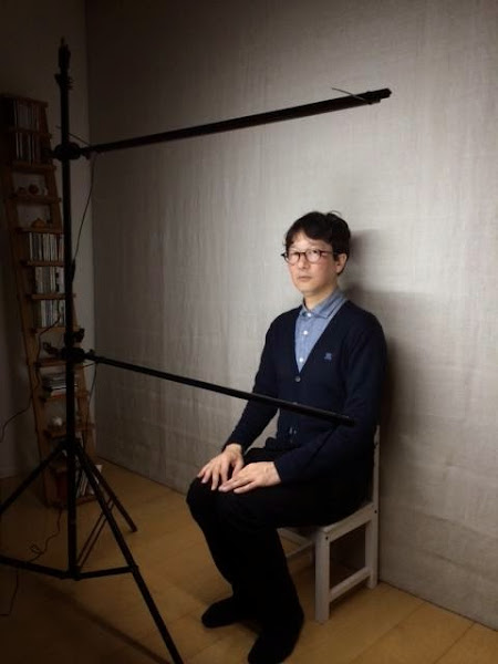 自作のLED照明のテスト モデルは稲垣カメラマン自身 1
