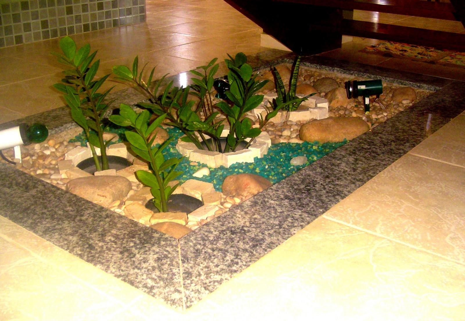 jardim sob escada interna:Jardim de inverno em baixo da escada.? #BEB00D 1600 1104