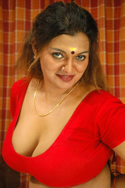 Thiruttu Sirukki Movie Hot Stills, Thiruttu Sirukki Hot photo gallery