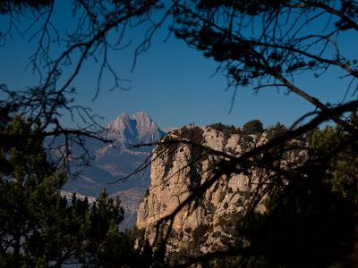 El Sobrepuny de Baix i al fons el Pedraforca