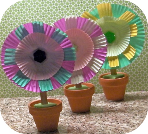 Make Messes Baking Cup Flowers