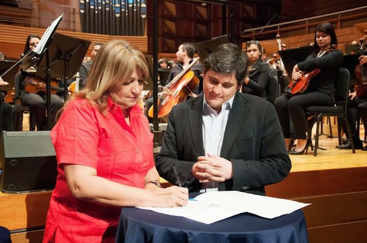 La Gobernadora del estado Monagas, Yelitza Santaella, y el Director Ejecutivo de El Sistema Nacional de Orquestas y Coros, Eduardo Méndez