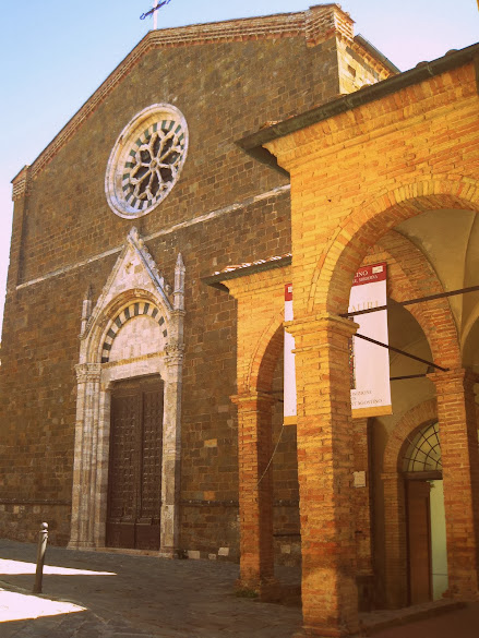 Sant'Agostino church and cloister in Montalcino
