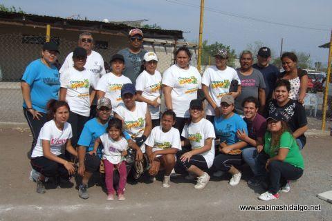 Equipo Cazadoras de Villaldama en el torneo de softbol femenil del Club Sertoma