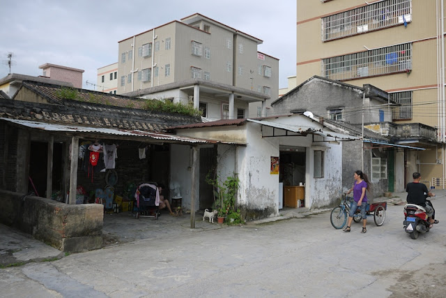older and newer buildings in Beishan Village, Zhuhai, China