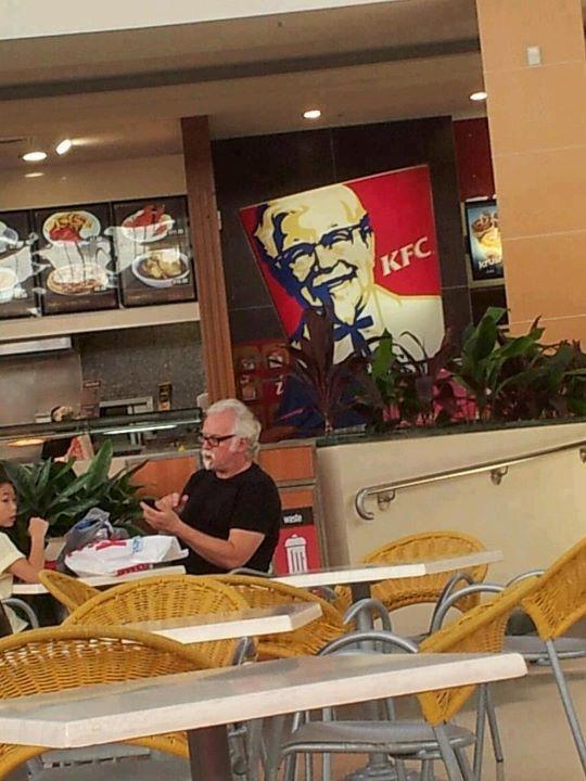 「肯德基上校」出現 KFC