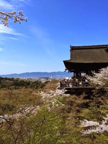 Kiyomizudera cherry blossoms