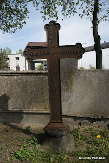 krzyż nagrobny Anny Klosse dawniej...