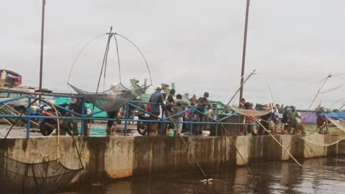 Warga Makin Ramai Mencari Ikan di Sungai Kahayan