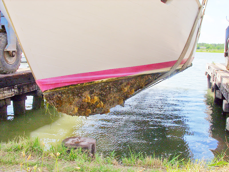 protecting hull paint from strap lift at hauling in and out?