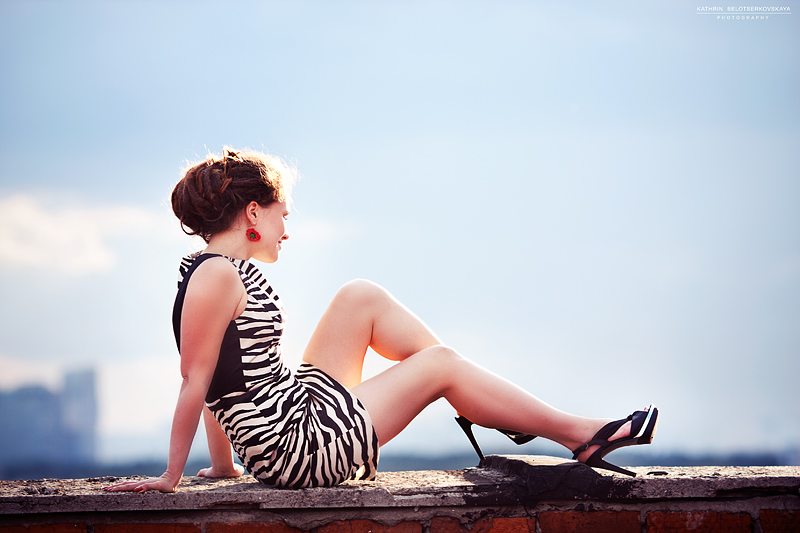Портфолио. Девушка на крыше. Портретная фотосессия. Фотограф Катрин Белоцерковская.