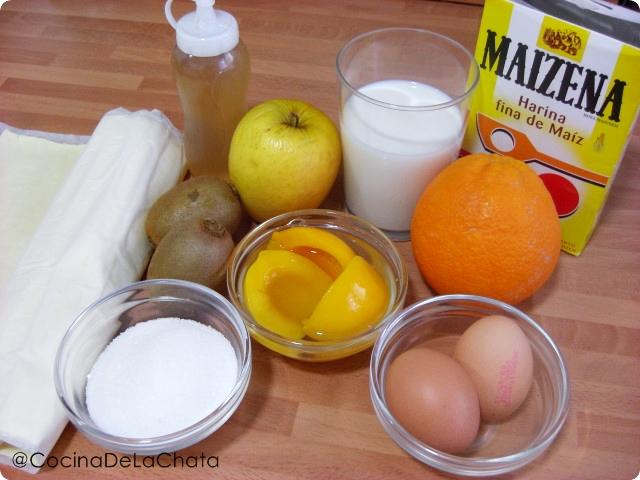 Ingredientes para los pasteles de hojaldre con crema y melocotón