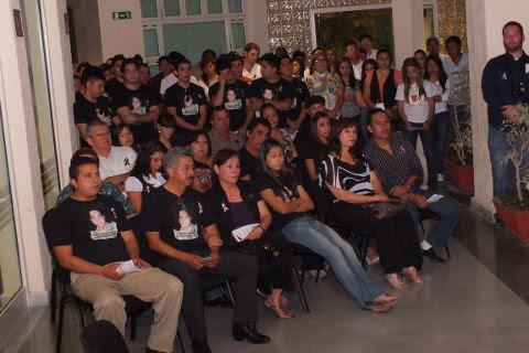 Asistentes  la ceremonia del Altar de muertos en FACPYA Sabinas