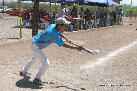 Jesús Mario Martínez de Cerveceros en el softbol del Club Sertoma