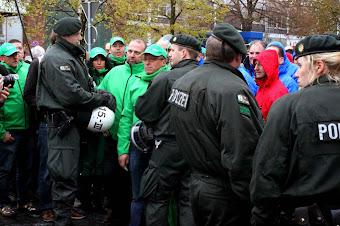 Fordwerker aus Genk, Polizei aus Köln.