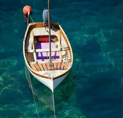 Menyusuri Daerah Aliran Sungai Kakap dengan menggunakan speed boat menjadi daya tarik tersendiri