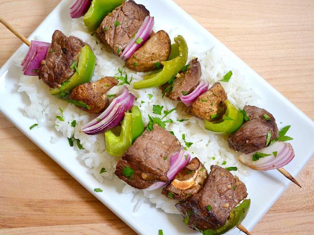 balsamic beef kebabs - Budget Bytes