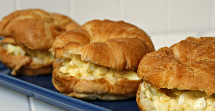 Classic Egg Salad Sandwiches - this egg salad recipe is easy and ...