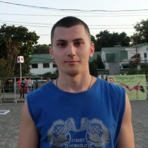 Владислав Романенков