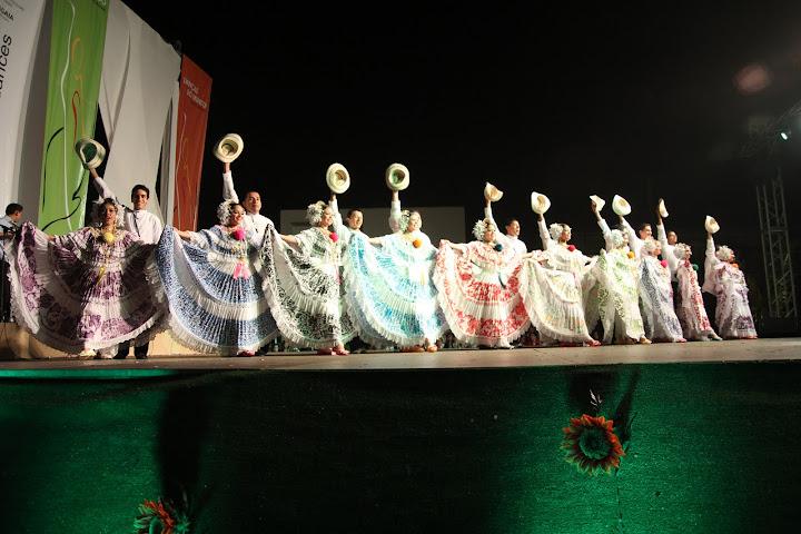 """Danças do Mundo 2011 - PANAMÁ - """"Academia de Proyecciones Folcloricas José A. Corella"""""""