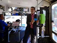 El ministro del Interior y Transporte, Florencio Randazzo, visitó hoy la ciudad balnearia de Villa Gesell donde puso en funcionamiento el sistema de boleto electrónico SUBE para el transporte de colectivos de esa ciudad