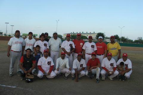 Equipo CNC del torneo de softbol sabatino.