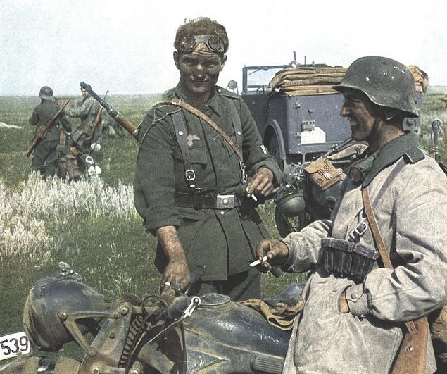 Солдаты секс на реке