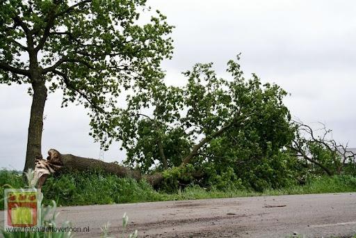 Noodweer zorgt voor ravage in Overloon 10-05-2012 (54).JPG