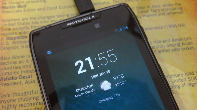Motorola RAZR with CyanogenMod