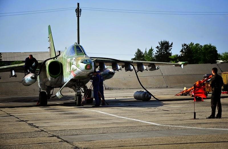 19_may_bay_Su-25_chernigovka_giaoduc_net_vn.jpg