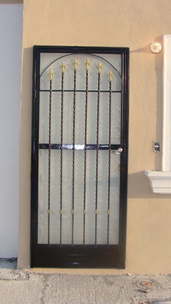 Fotos y diseos de ventanas fotos de puertas de herreria for Fotos de puertas