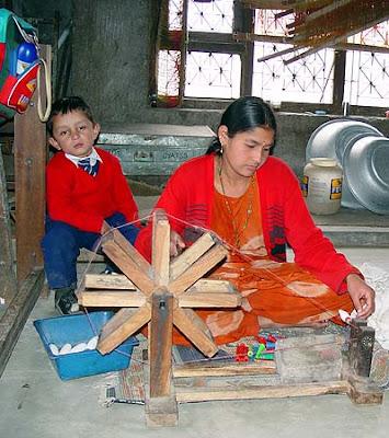 Pashmina weaver