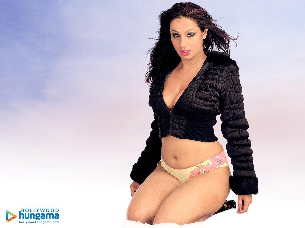 Fuckinggirls hot boobs kashmira bra fake gif porn italian